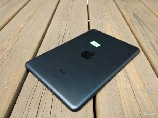 Apple IPad Mini WiFi 16 GB BLACK (арт.15574)
