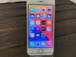 Телефон Apple IPhone SE 32gb Silver (арт. 28789)