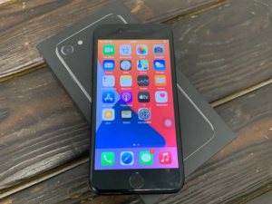 Телефон Apple IPhone 7 128gb Jet Black No Touch (арт. 29306)
