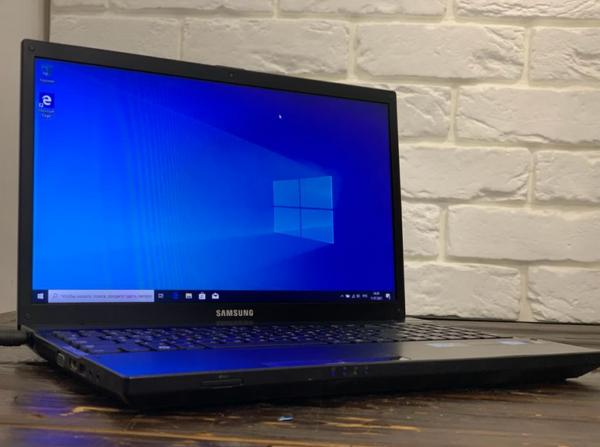 Ноутбук Samsung NP300V5A-S18RU (арт. 30442)