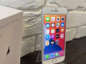 Apple IPhone 8 64gb Silver Ростест (арт. 32179)